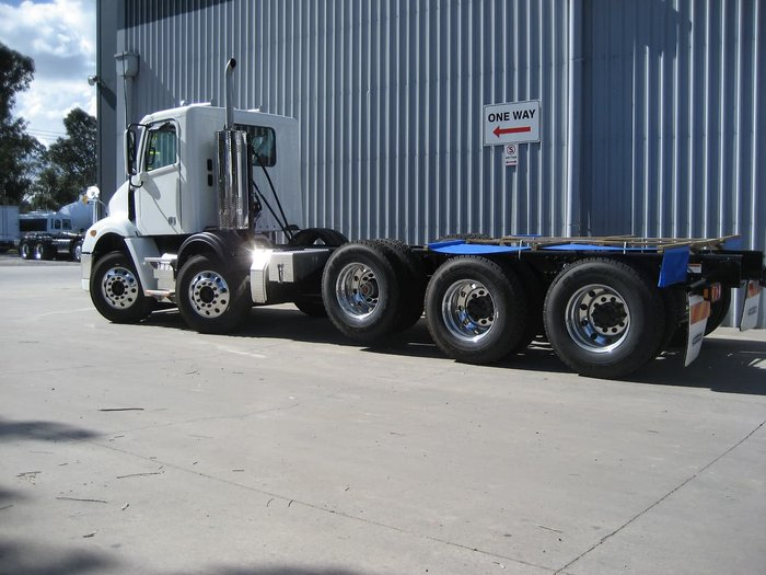 2020 FREIGHTLINER 6,8 & 10 BY 4- PRICED TO SELL null null White