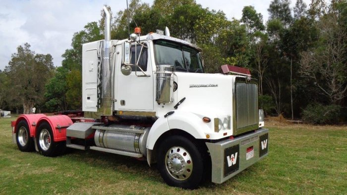 2012 WESTERN STAR null null null White