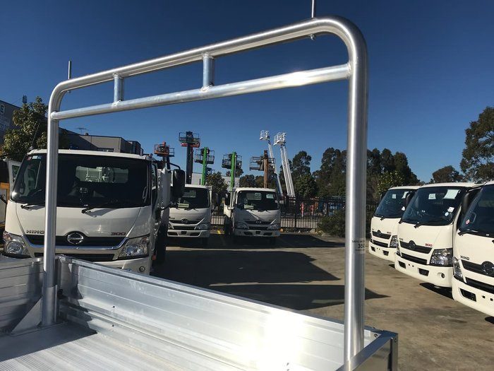 2020 HINO 300 SERIES 616 MEDIUM AUTO TRADEACE null null White
