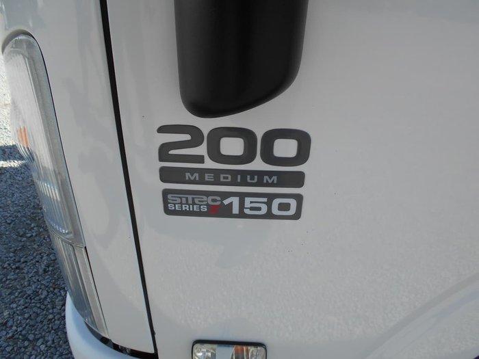 2009 ISUZU NLR200 null null White