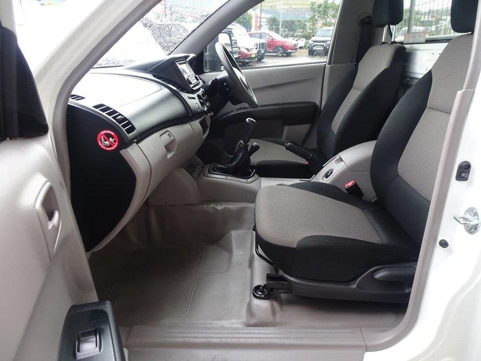 2014 Mitsubishi Triton GLX MN MY15 4X4 Dual Range White