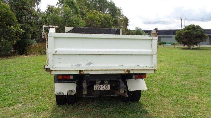 2012 FUSO 715 null null white