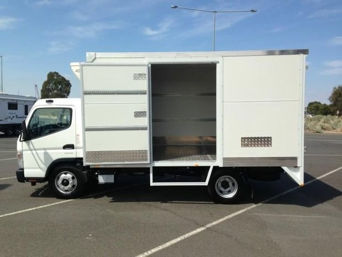 2019 FUSO CANTER 815 WIDE null null White