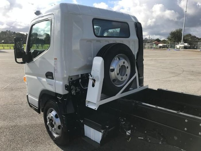 2019 FUSO CANTER 815 FEC81CR4SFAC null null White