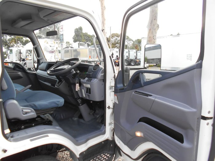 2015 FUSO CANTER 515 WIDE CAB null null WHITE