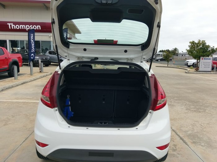 2011 Ford Fiesta CL WT White