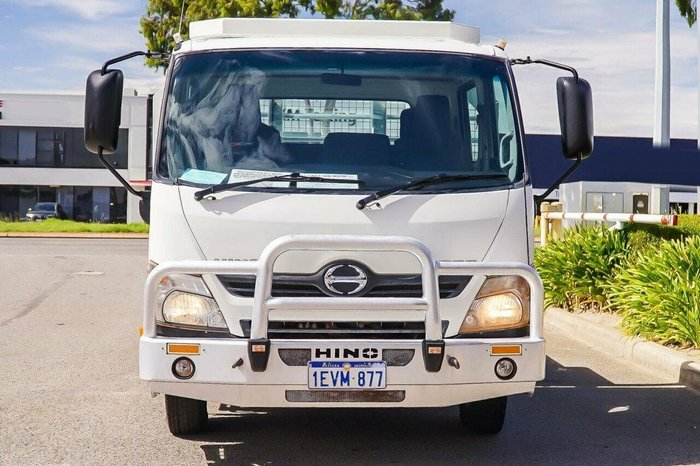 2015 HINO 300 717 CREWCAB MANUAL null null White