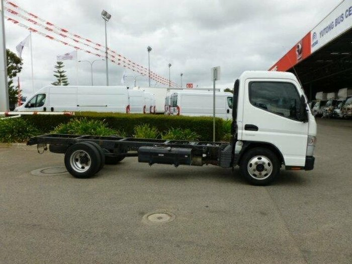 2014 FUSO CANTER null null White
