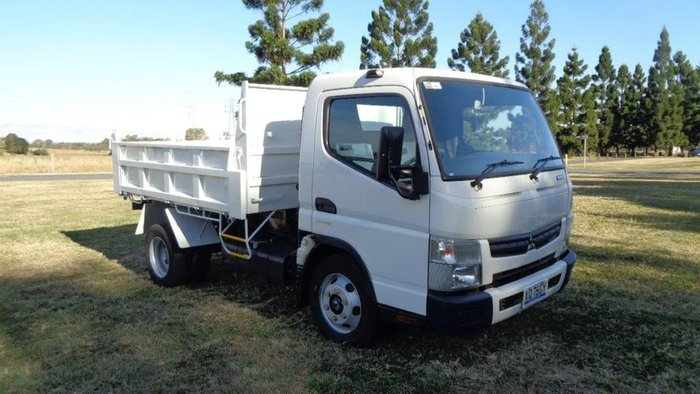 2016 FUSO CANTER 715 null null White