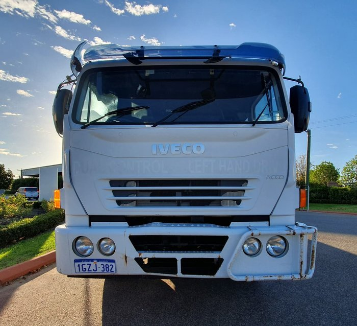 2011 IVECO 2350G null null WHITE