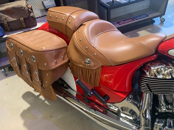 2020 Indian CHIEF VINTAGE THUNDER BLACK Red