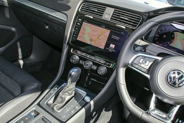 2020 Volkswagen Golf 110TSI Highline 7.5 MY20 PURE WHITE