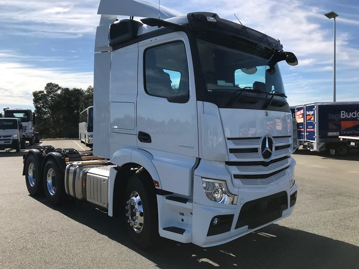 2020 MERCEDES-BENZ ACTROS null null White