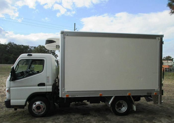 2015 FUSO CANTER 515 WIDE null null White