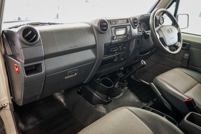 2015 Toyota Landcruiser Workmate Troopcarrier VDJ78R 4X4 Dual Range White