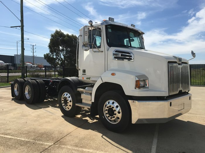 2020 WESTERN STAR 4700 null null null