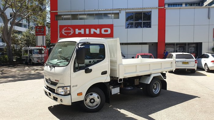 2020 HINO 300 SERIES 616 IFS TIPPER null null White
