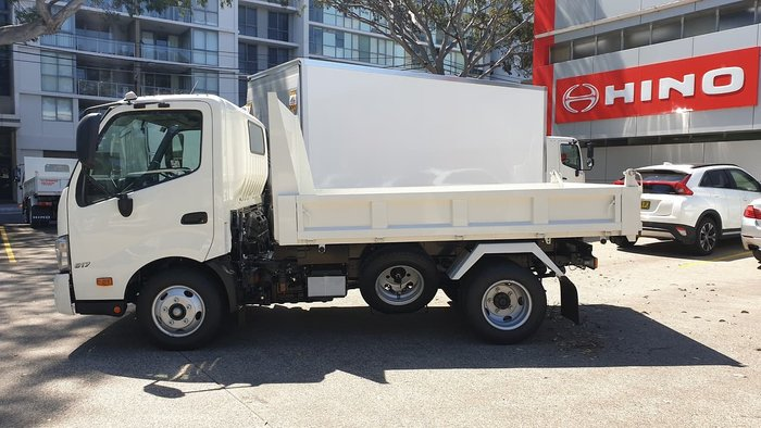 2020 HINO 300 SERIES 616 SHORT AUTO TIPPER null null White