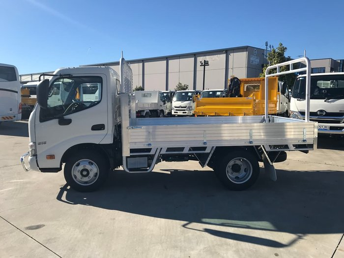 2020 HINO 300 SERIES 616 SHORT AUTO IFS TRADEACE null null White