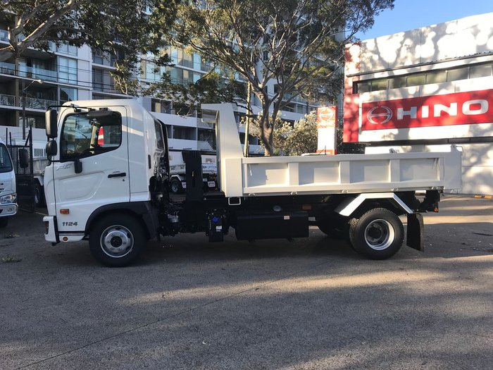 2020 HINO 500 SERIES FC 1124 MT LEAF 3850 TIPPER 3.6 null null White