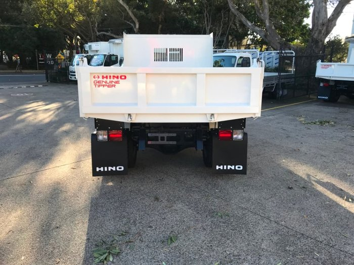 2020 HINO 500 SERIES FC 1124 MT LEAF 3850 TIPPER3.6 null null White
