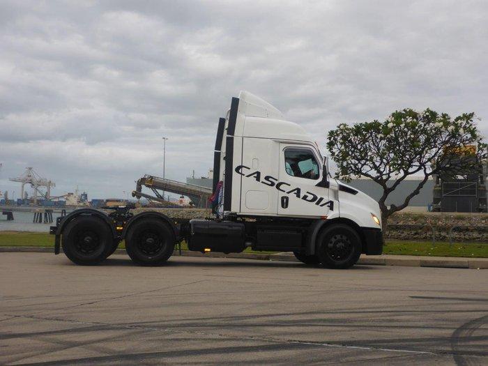 2020 Freightliner Cascadia 116 Cascadia 116 White