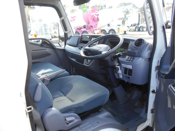 2016 FUSO CANTER 413 null null White