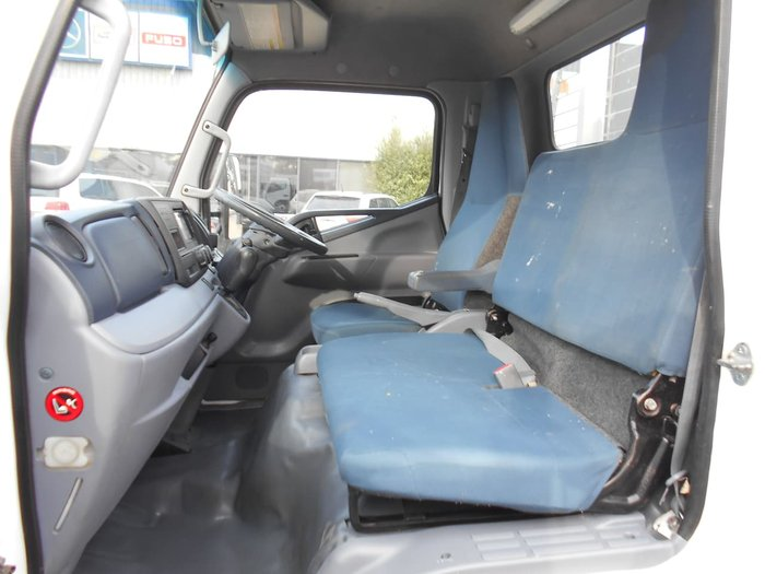 2014 FUSO CANTER 515 null null White