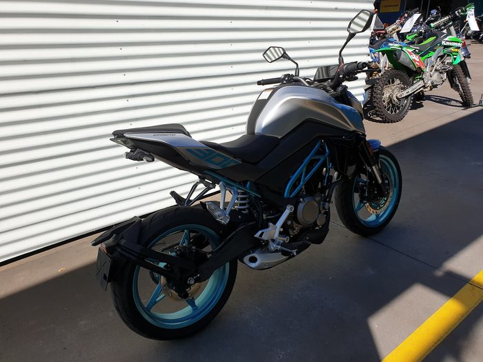 2020 CFMOTO 300NK null null Silver