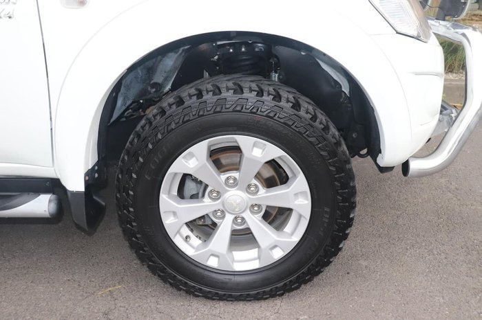 2010 Mitsubishi Triton GLX-R MN MY11 4X4 Dual Range White