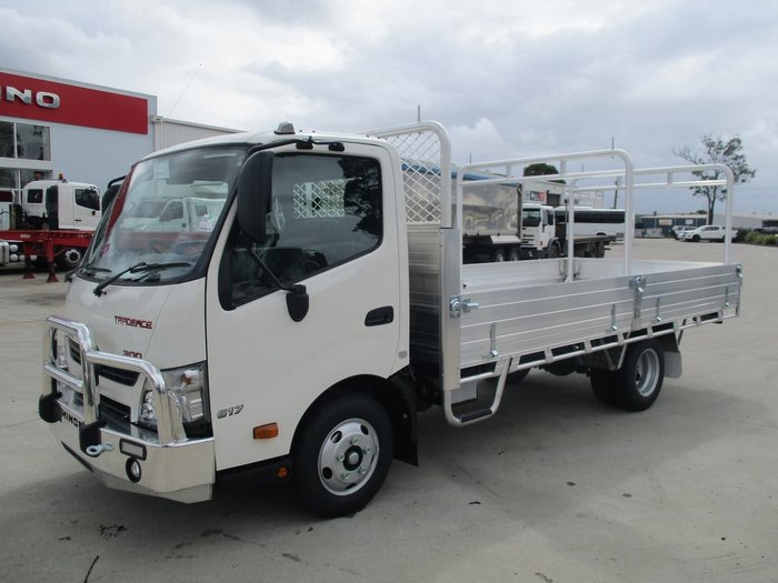 2020 HINO 617 MEDIUM TRADE ACE null null White