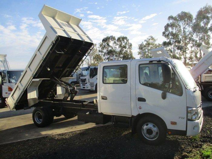 2020 HINO 816 XLONG CREW AUTO TIPPER null null White