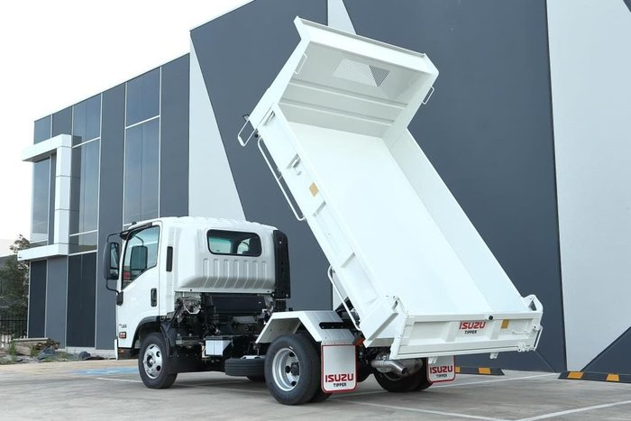 2020 ISUZU NPR 45/55-155 SWB MANUAL TIPPER null null White