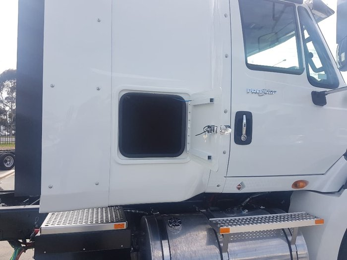 2020 INTERNATIONAL PROSTAR MARKY SLEEPER - AUTOMATIC - 2020 PLATED null null White