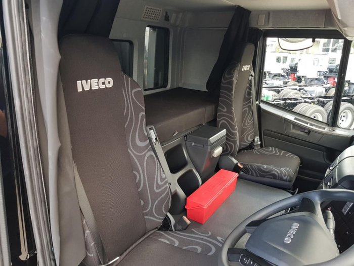 2020 IVECO STRALIS ATI 360 6X2 14 PALLET WITH TAILGATE null null white