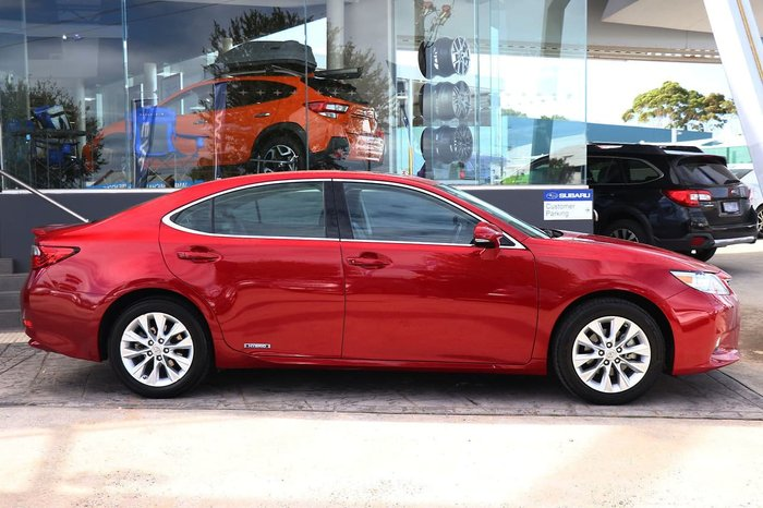 2015 Lexus ES ES300h Luxury AVV60R Red