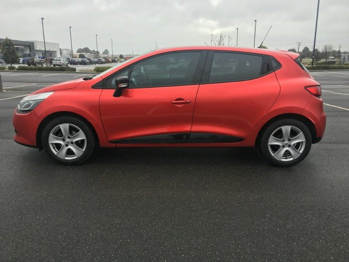 2015 Renault Clio Expression IV B98 RED
