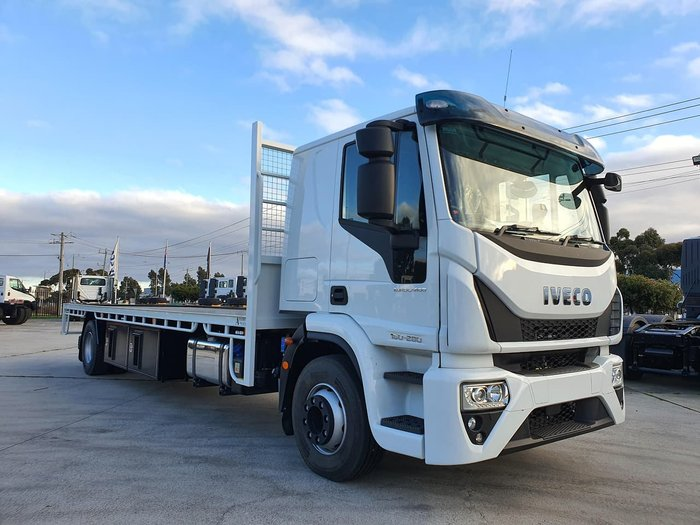2020 IVECO EUROCARGO ML160 E6 SLEEPER MANUAL WITH TRAY null null white