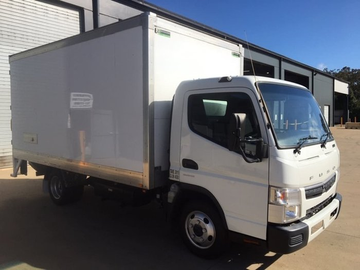 2017 FUSO CANTER 515 WIDE CAB PANTECH White