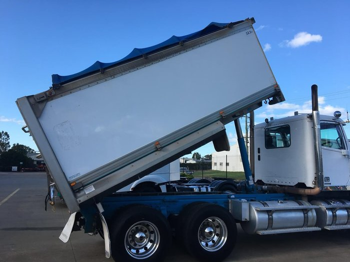 2014 FREIGHTLINER CORONADO 114 DAY CAB TIPPER null null White