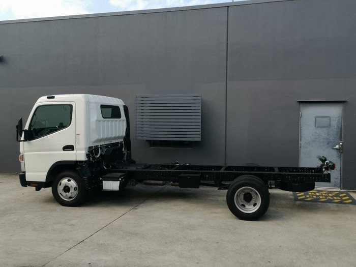 2020 FUSO CANTERQ null null White