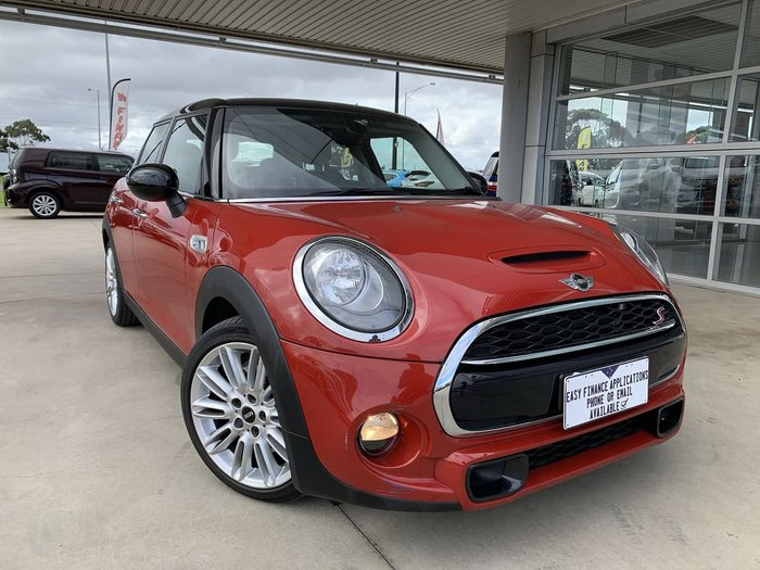 2014 MINI Hatch Cooper S F55 Red