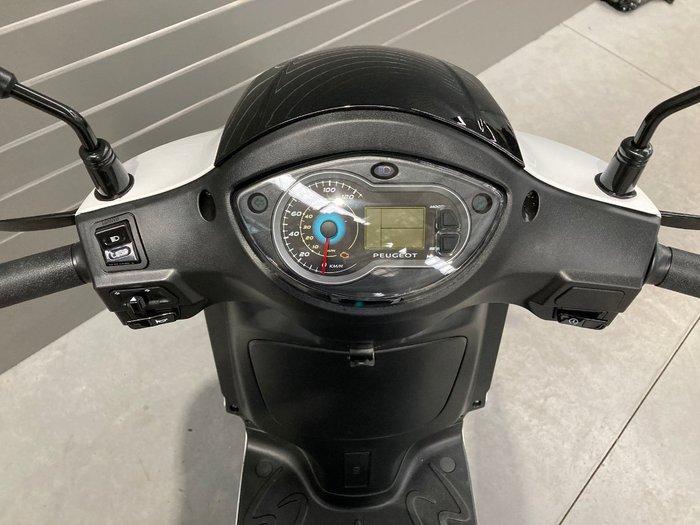 2020 Peugeot TWEET Black