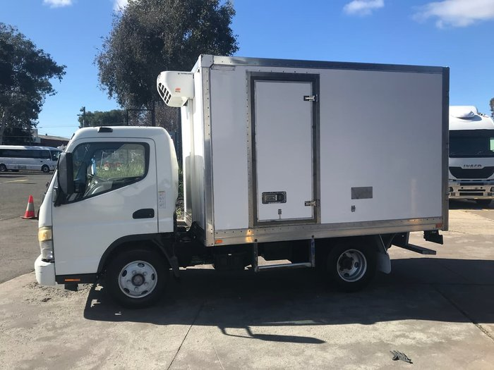 2007 MITSUBISHI CANTER null null WHITE