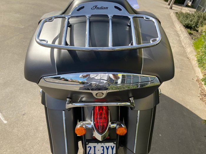 2019 Indian ROADMASTER GREY SMK/BLACK SMK Black