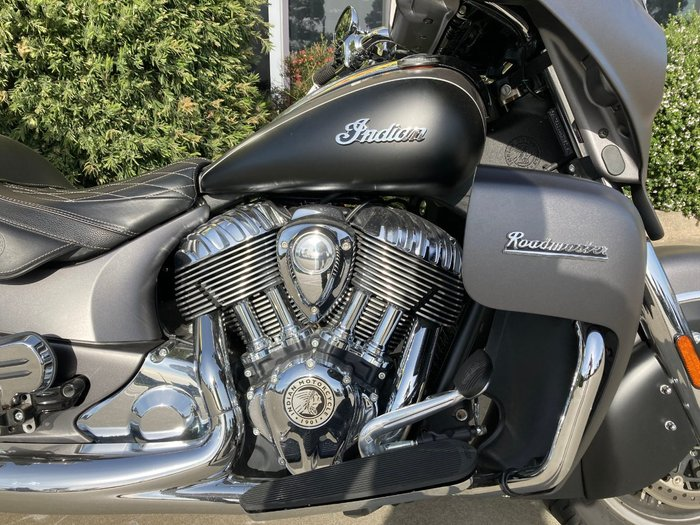 2019 Indian ROADMASTER THUNDER BLACK Black
