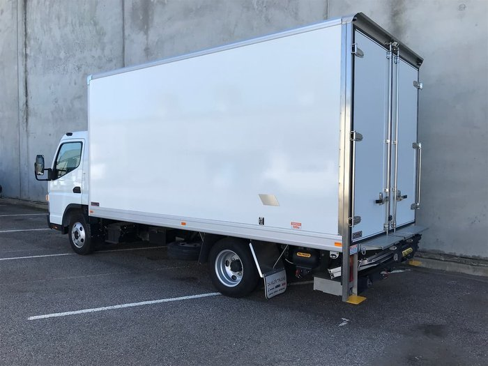 2019 FUSO CANTER 515 PAN & TAILGATE LOADER White