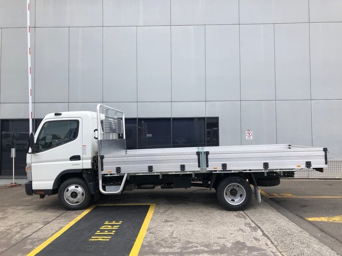 2020 FUSO CANTER 515 null null White