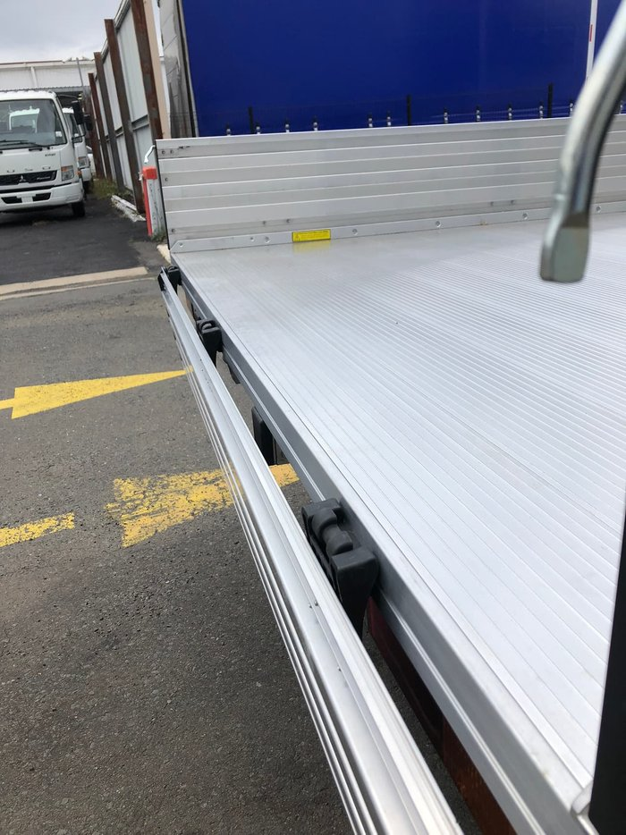 2020 FUSO CANTER 515 ALLOY TRAY TRADESMAN TRUCK null null White