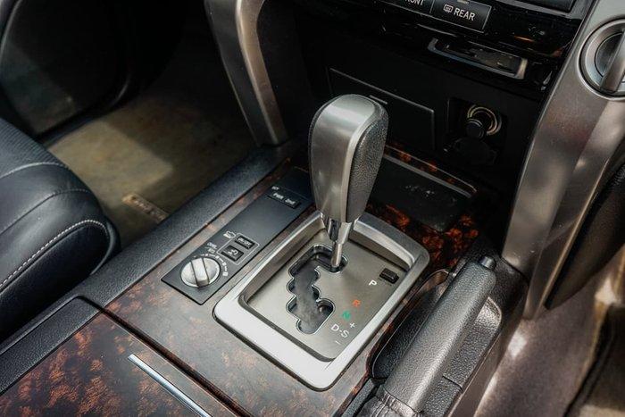 2015 Toyota Landcruiser VX VDJ200R 4X4 Dual Range White
